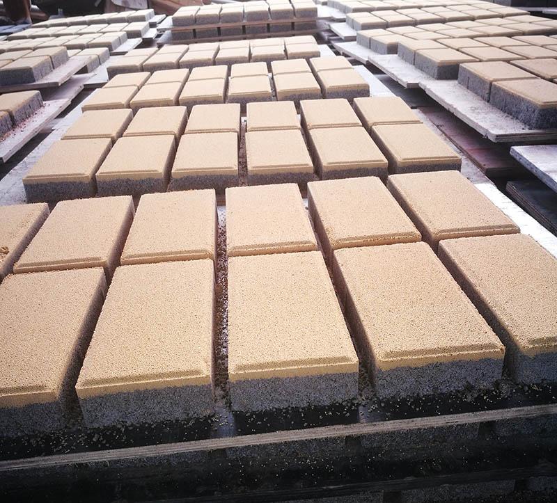 南充海绵体透水砖黄色120X240X50